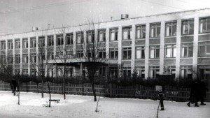 Памятник Ленину возле шк 23
