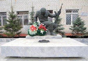 памятник у милиции
